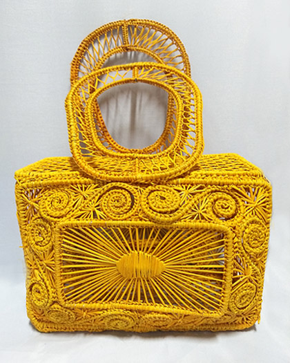 Purses and Handbags made in Iraca Palm - Iraca Palm Chest Purse