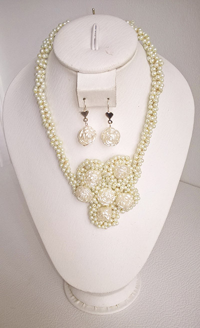 Colombian Fine Bijourie in stones - Nacar & Pearl Necklace