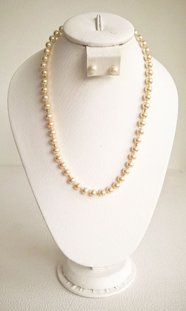 Colombian Fine Bijourie in stones - Pearl Necklace