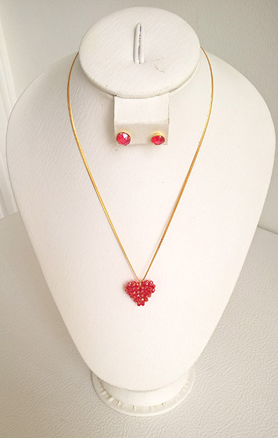 Colombian Fine Bijourie in stones - Red Heart Necklace