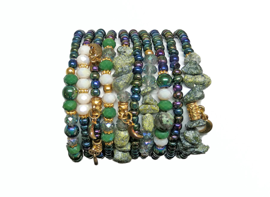 Colombian Bijouterie and Bracelets - Set of green Bracelets