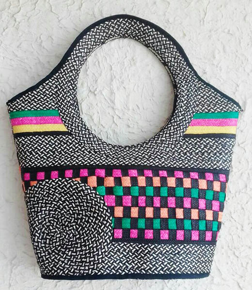 Cana Flecha handmade Purses - Cana Flecha typical handbag