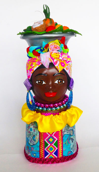 Colombian Handmade Ceramics and Figurines - Colombian Black Woman in Ceramic