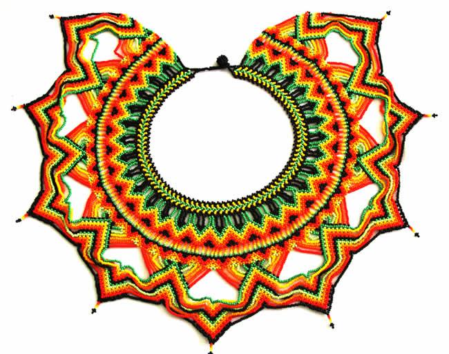 Collar Pectoral Okama mediano con Chaquiras